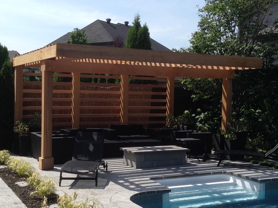 construction de patios en bois v randa pergola ou abri spa. Black Bedroom Furniture Sets. Home Design Ideas