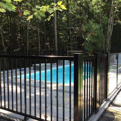 Clôture de piscine à Mirabel en haut