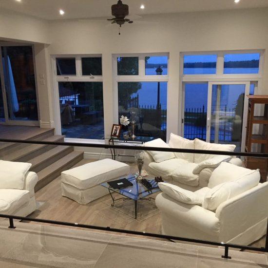rampe-en-verre-trempé-intérieur-cadre-en-acier-www.rampesetbalcons.com_