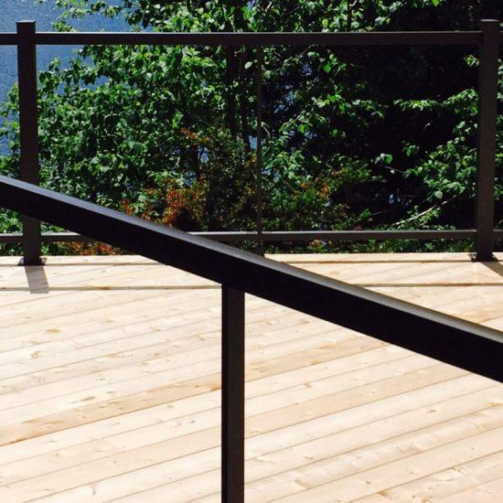 rampe-verre-aluminium-balcon