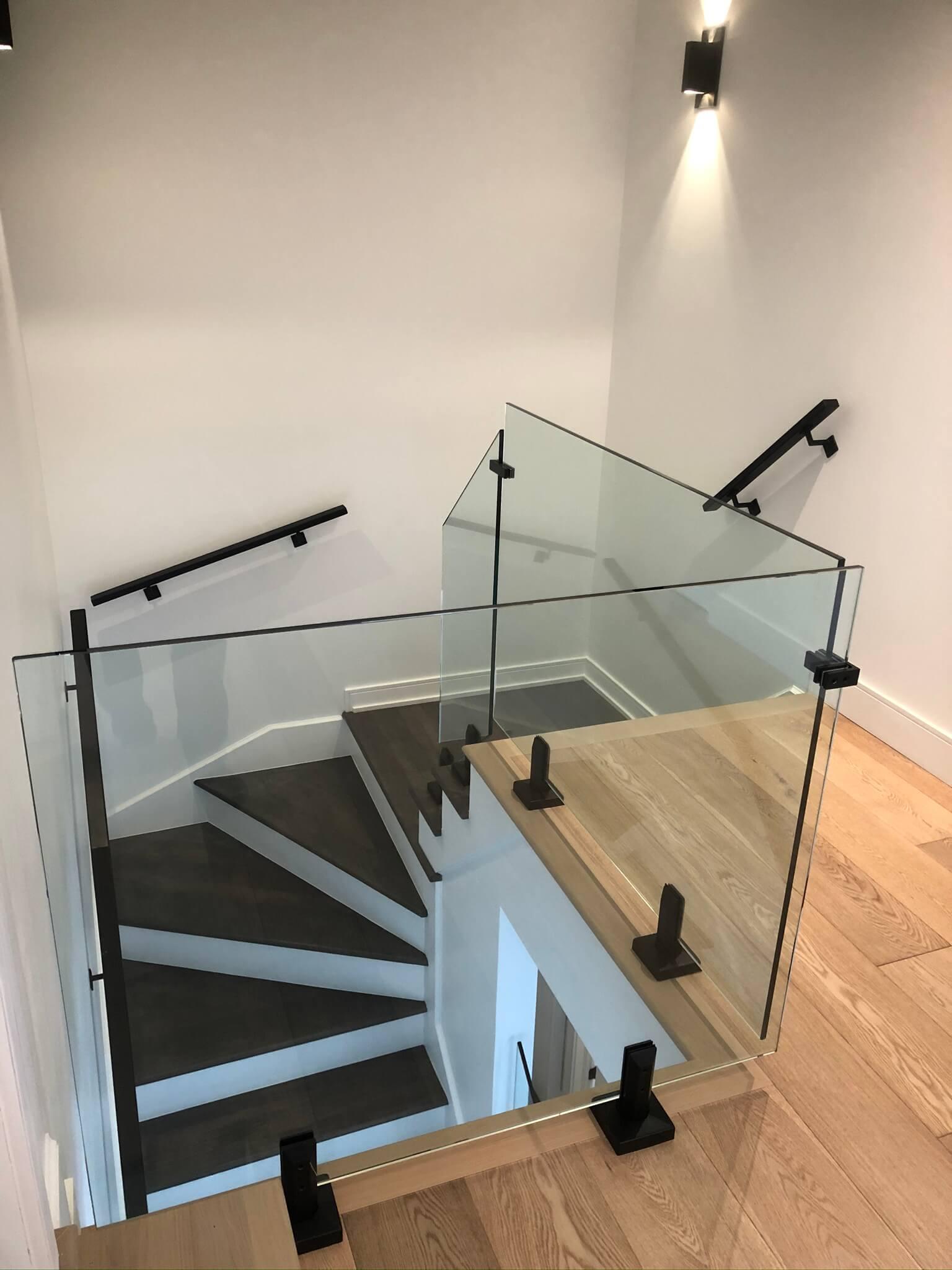 interior modern glass railing 01