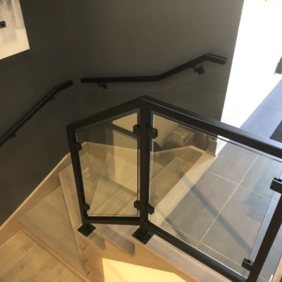 Interior glass railings in Montreal