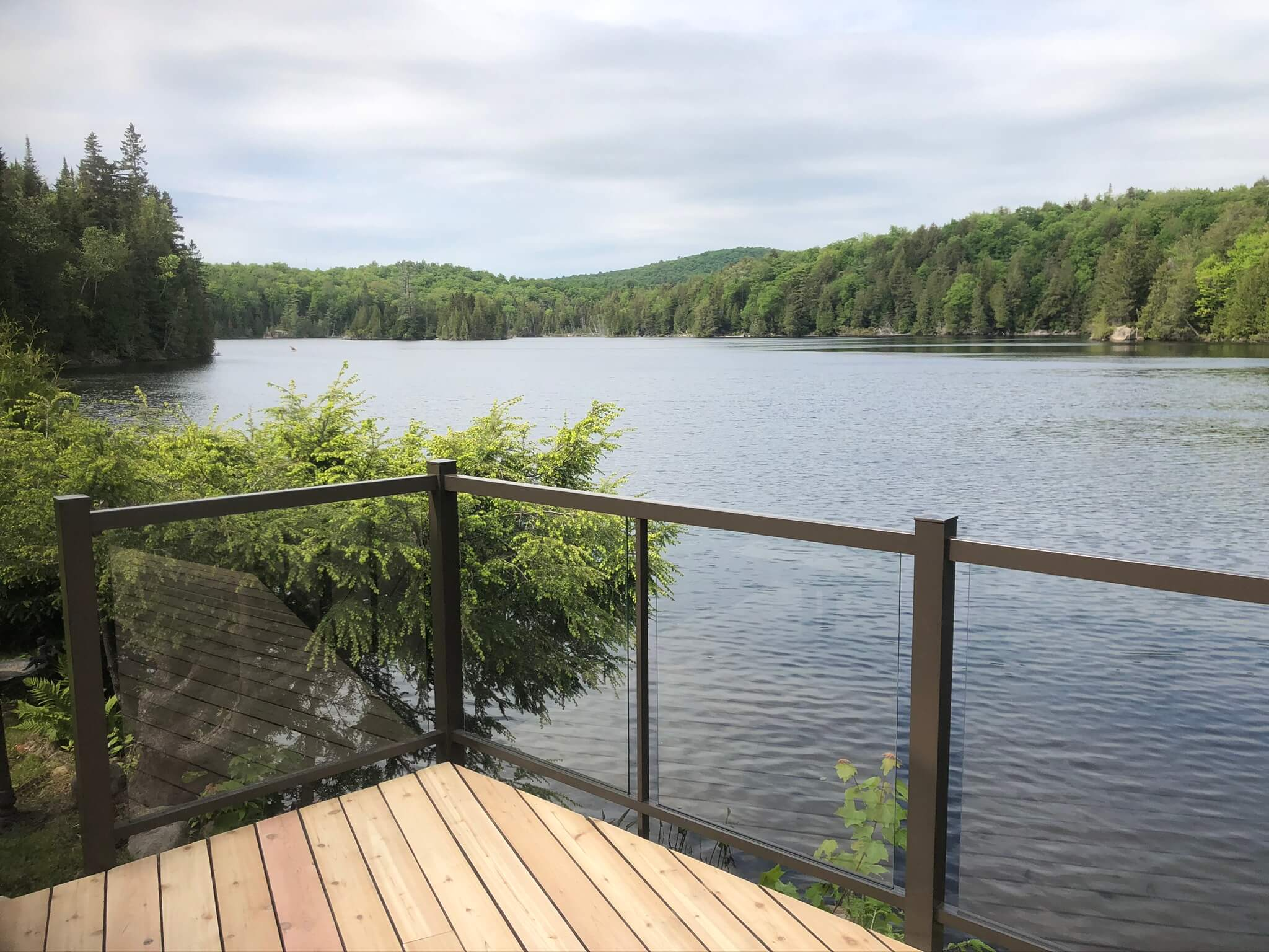 deck with glass railing Wenworth-Nord 02