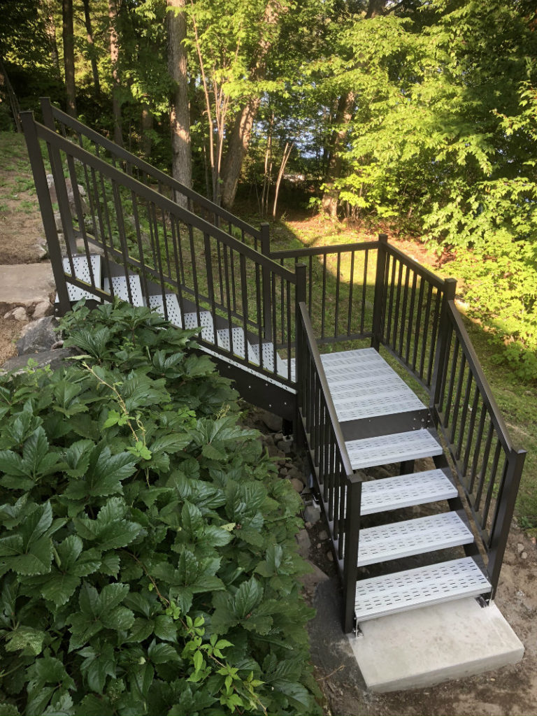 standards for exterior staircase