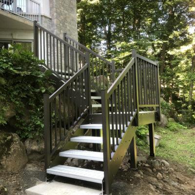 Exterior staircase in Saint-Anne-des-Lacs