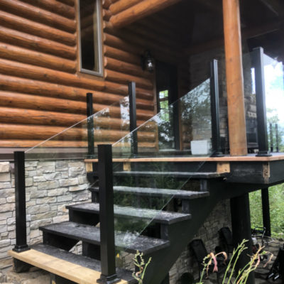 Engineered fibreglass floor and glass railing in saint-sauveur