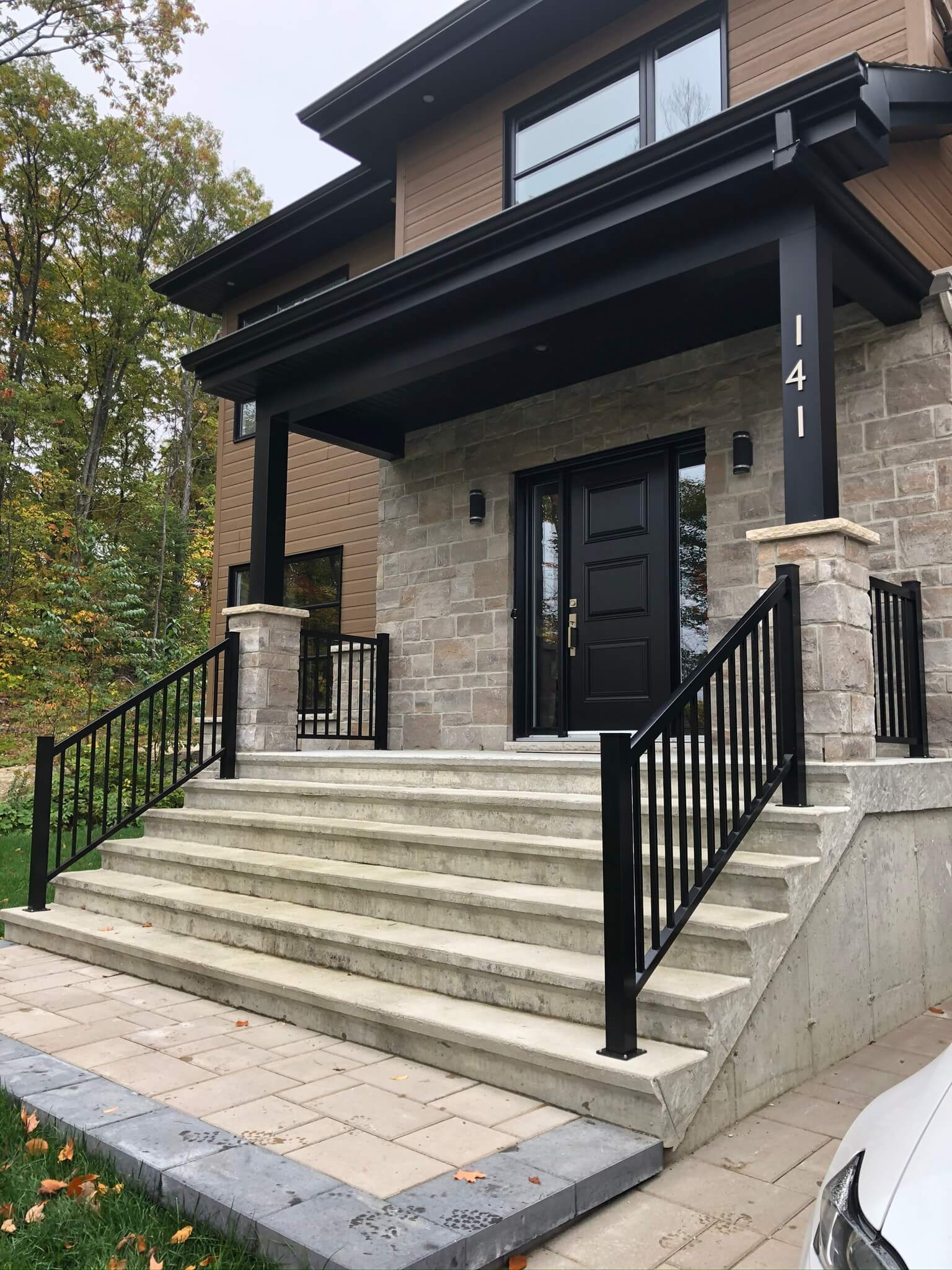 rampe en aluminium escalier en béton