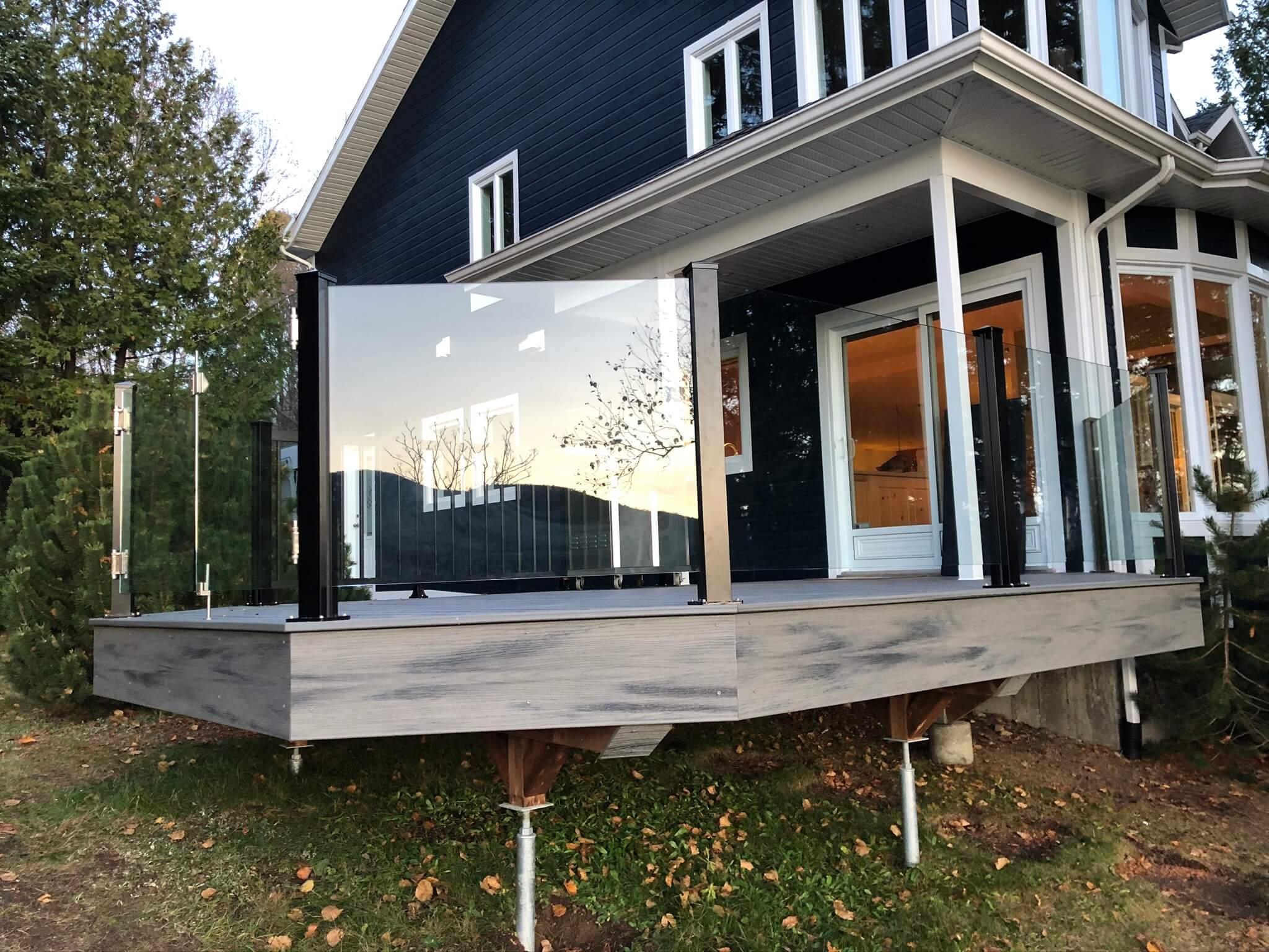 rampe en verre sur balcon extérieur 06