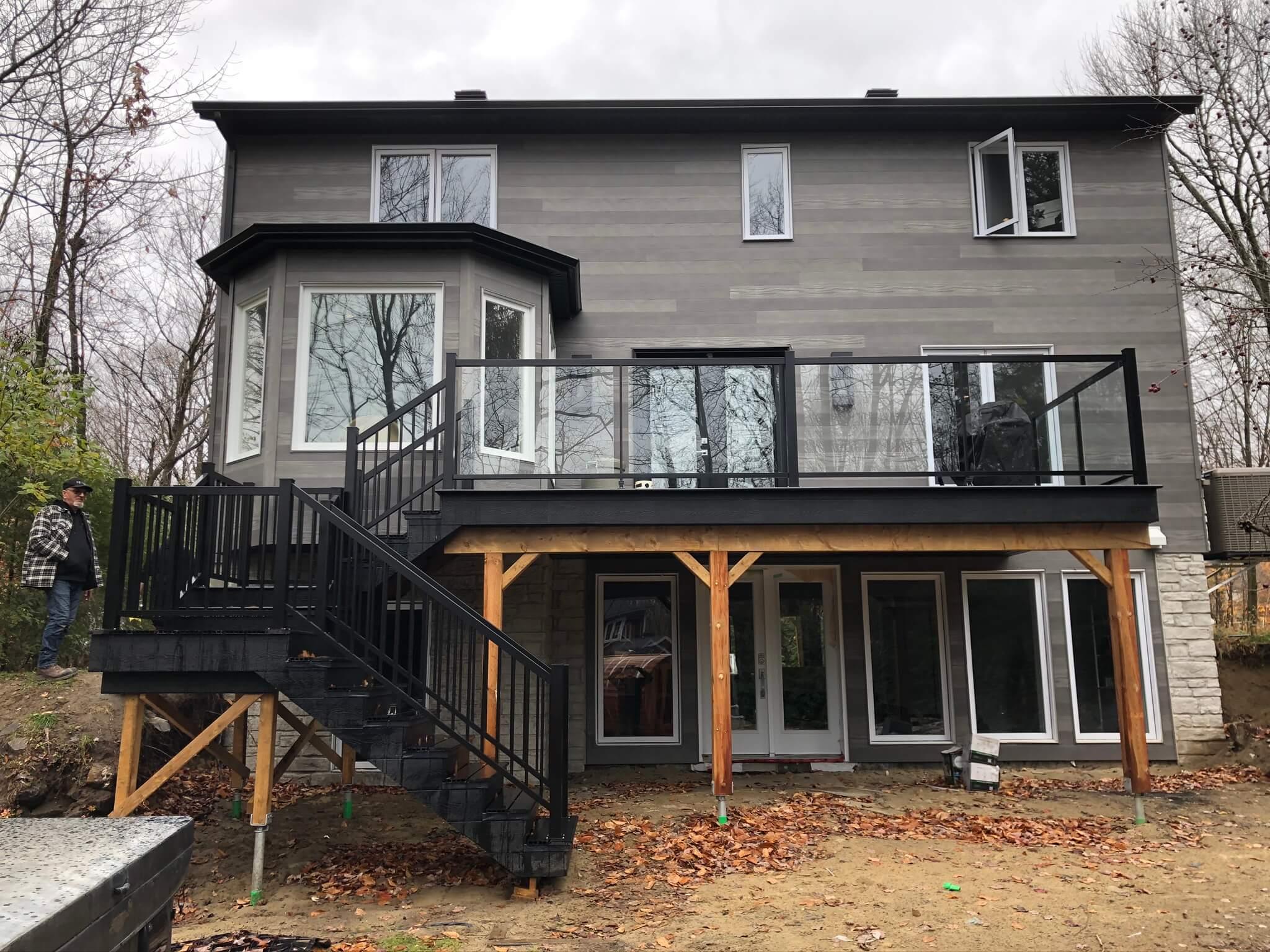rampe en aluminium noire pour balcon