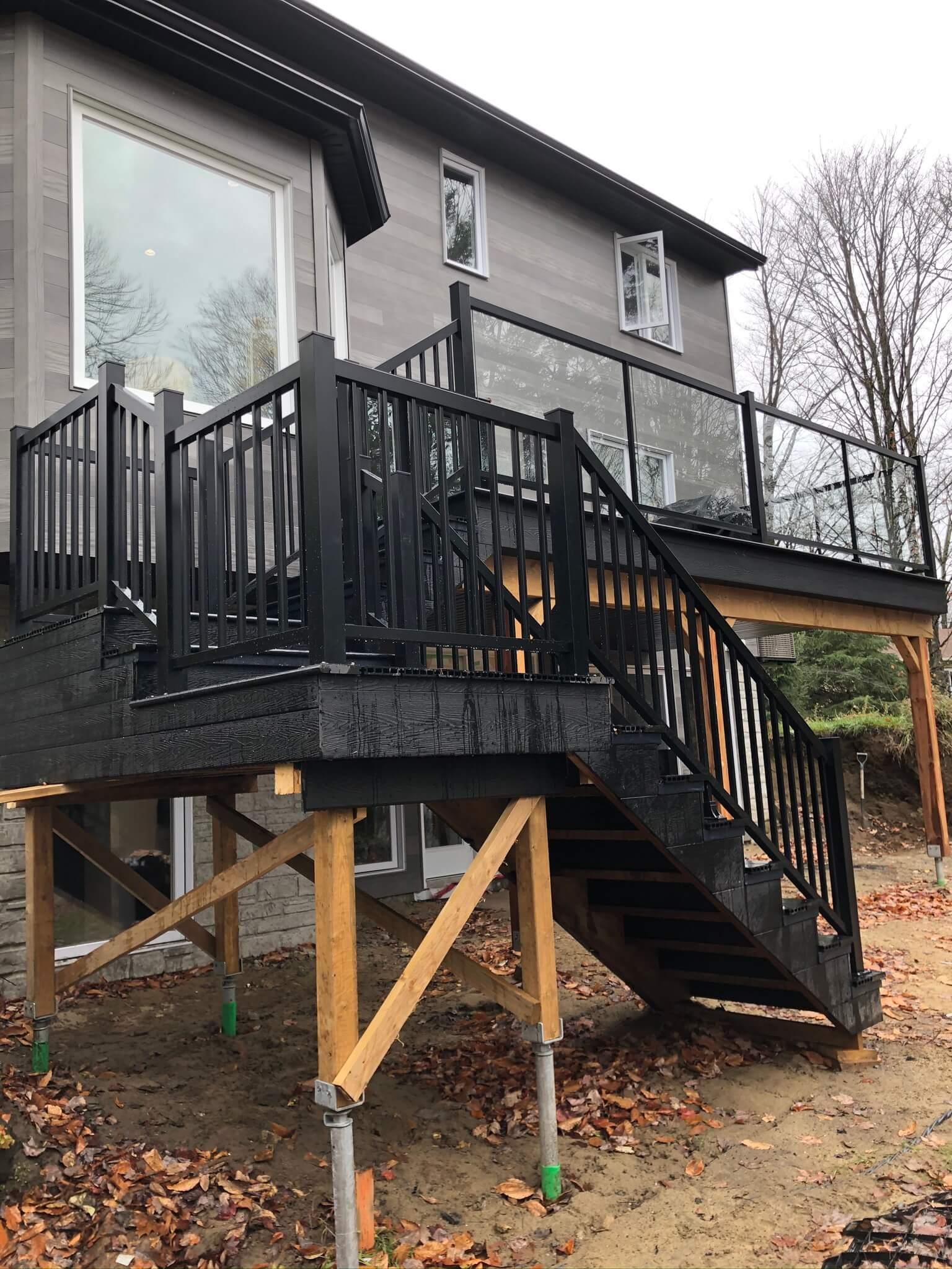 rampe en aluminium noire pour escalier