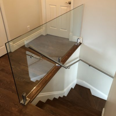 Interior and exterior glass railings in Lorraine