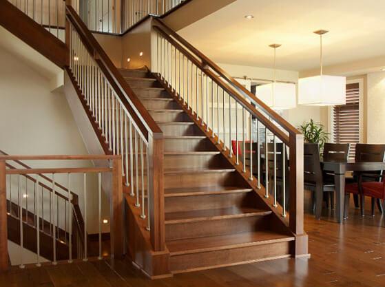 escalier et rampe en bois