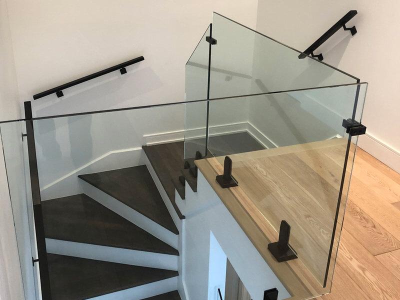 normes et code du bâtiment pour escalier, rampes