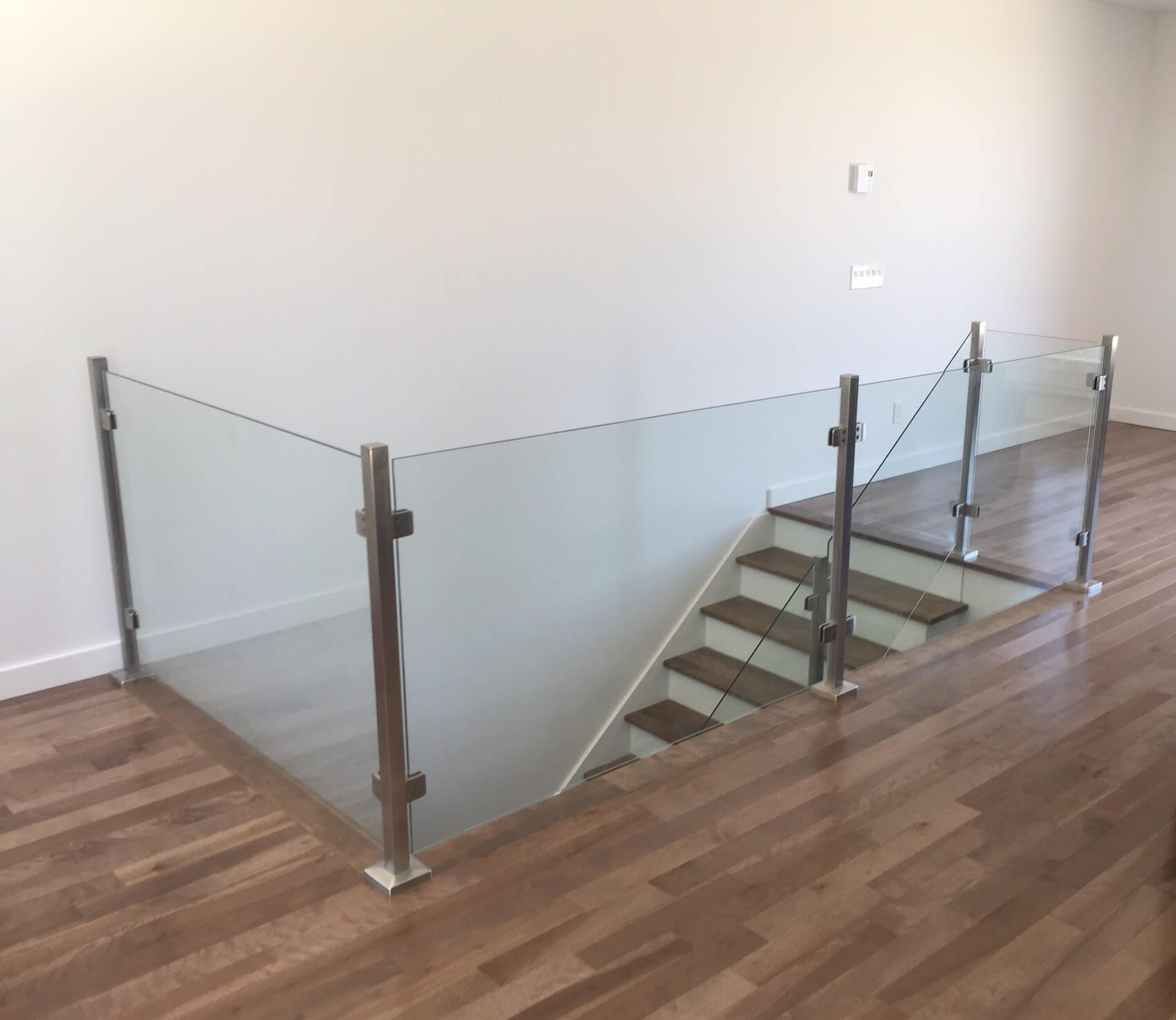 10mm glass railing with square stainless steel post